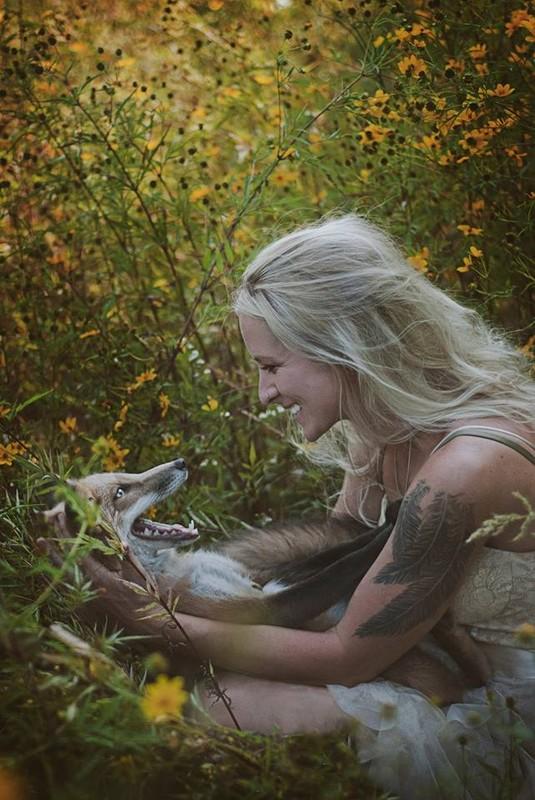 femme et son renard