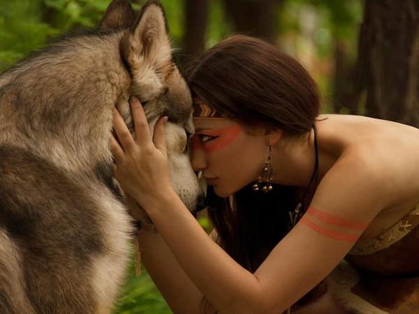 l'indienne et le loup
